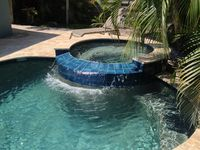 4 Bedroom w/ Lagoon pool/spa & golf cart- comes w/ all the Toys!