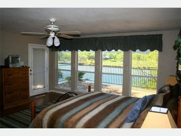 Master Bedroom with King - Lake LBJ Rental Homes