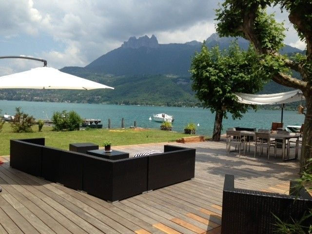 Lake Annecy: house standing in the water, Lake Annecy, mountain view