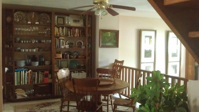 Dining Room, seats 6, ceiling fan