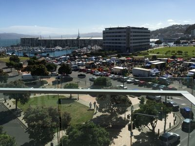 Stay in the City - Wellington Harbour View