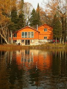 Impressive lake home, two large queen bedrooms, 3 bathrooms with showers.