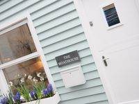 Delightful Cottage Only A Few Yards From The Centre Of Looe
