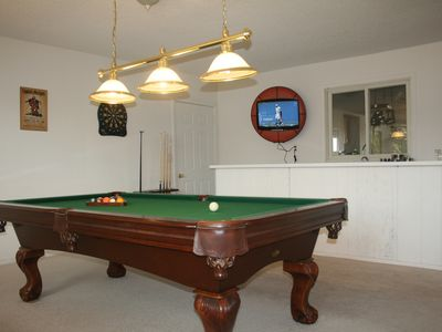 Game Room w/ Pool Table, Darts, HDTV, and a Wet Bar