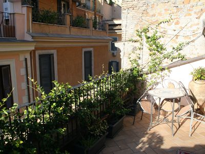 4 apartment studios - sleeps 2 up to 13 - MONTI / COLOSSEUM / ROMAN FORUM area