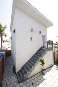 Stairs and private entrance from outsideo fo the house.