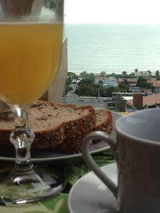 Have breakfast looking to the sea!