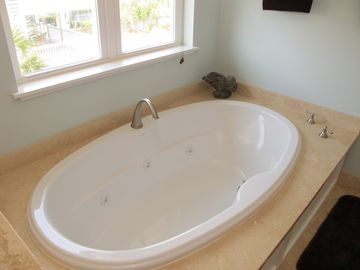 Master Bath www.Seascapevacationhomes.com