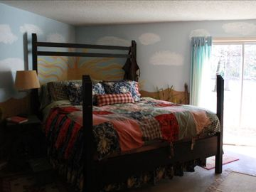 Lake Palestine cottage rental - Kingsize Bed - aaah!