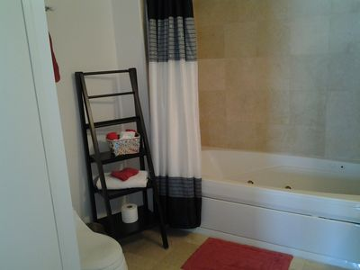 Coconut Grove condo rental - Take a relaxing bath in the master bedroom's jetted tub