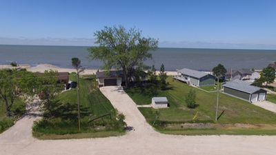 Lakefront Cabin Rental only 1 hour from Winnipeg
