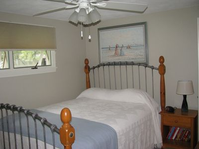 Bonnet Shores house rental - Queen Bedroom: Includes full sized closet for clothing & storage