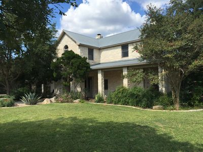 The Hill House - A Relaxed Austin Retreat, Near Hill Country Attractions