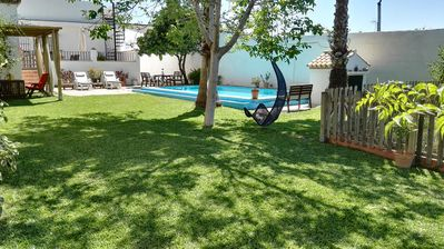 CASA ANA: VERY QUIET WITH GARDEN AND POOL TO RELAX (FREE WIFI)