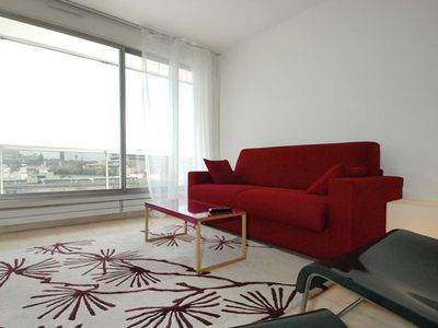 Bastille Voltaire - Inside: spacious with nice view