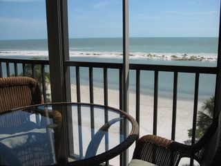 Fort Myers Beach condo photo - Gorgeous wrap around lanai.
