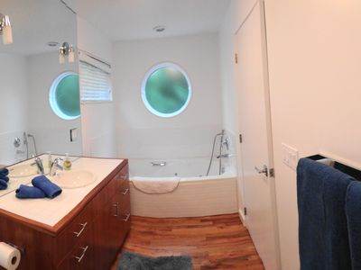 East Hampton house rental - Master Bath