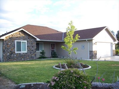 Yakima house rental - Front of home