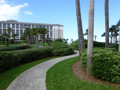 Amelia Island condo rental - Steps to the Ritz Carlton, order room service or enjoy the restaurants and spa.