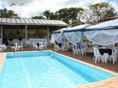 Beautiful site 50km from BH, sauna, pool, soccer field, pool and Ping-pong