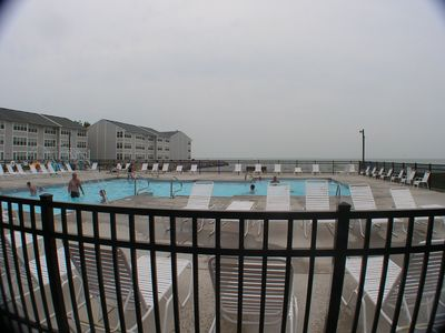 pool , Lake Erie in the back ground
