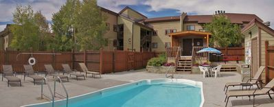 Heated Pool & Hot Tub area with Gas Grill, Picnic Table, Sunbathing