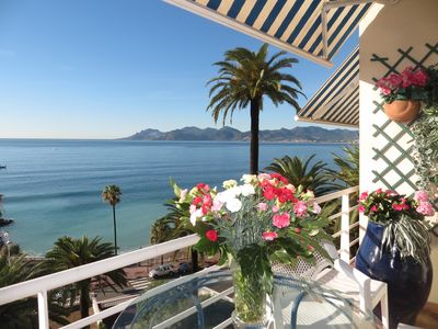 Gorgeous apartment facing the sea, islands and esterel