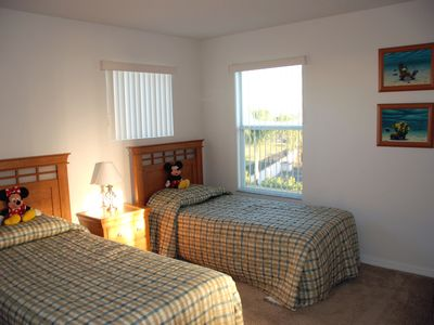 Haines City villa rental - Bedroom 3 - with adjoining bathroom 4 (Jack & Jill) and TV/DVD player.