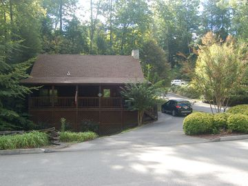 Pigeon Forge cabin rental - front view