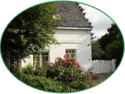 house on garden, decorated by a painter, Pont Aven with 9kmwallo