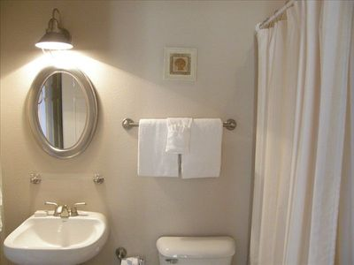 Adjoining Queen Bathroom w/ Bath & Shower