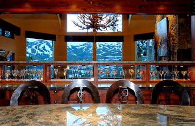 Historic District Breckenridge house rental - Camelot - Kitchen Bar with Views through Great Room