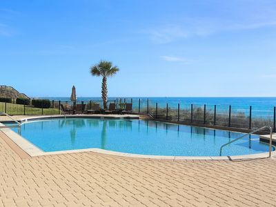 Adagio D-305 Poolside, Corner Unit- Newly Remodeled & Heated Gulf front Pool!