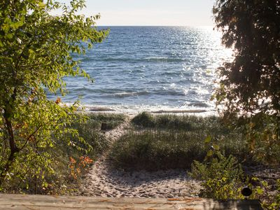 4 bedroom 2 bath house on lake michigan with vrbo for Bath house michigan