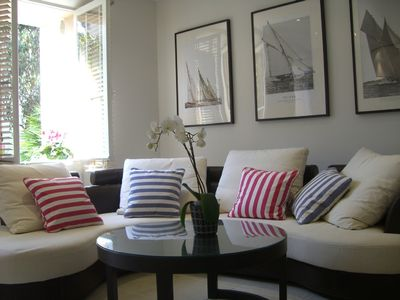 Centre-ville - Croisette apartment rental - Sunny living room opening onto terrace & garden