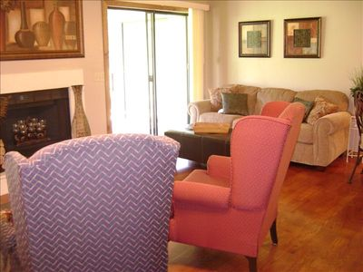 Branson condo rental - OPEN LIVING AREA-Sit back, relax, kick your feet up on leather ottoman and enjoy