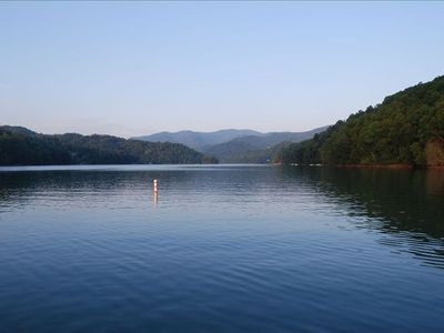 Beautiful Lake Nantahala, 3 miles from cabin!