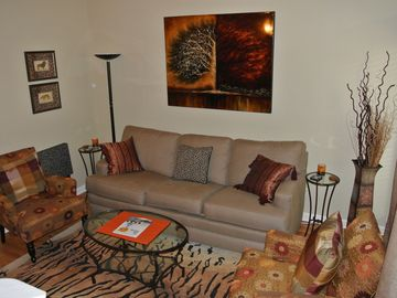 Auburn condo rental - Cozy Living Room