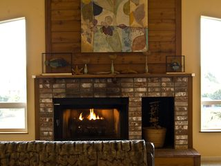 Bandon house photo - Cozy Gas Log Fire Place.