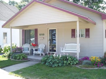 Charlevoix house rental - Front Porch