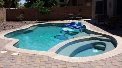 4 bdrm rancher with heated private pool & hot tub