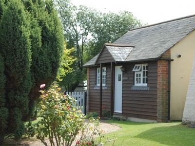 Chichester cottage rental - Front of cottage