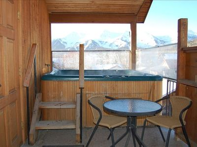 Outdoor Hot Tub with great views of the ski hill & surronding mountains