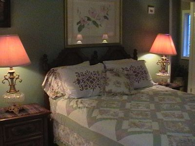 Bedroom 2  (Upstairs) - Queen Bed