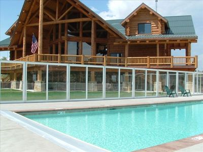 Lodge Private Pool & Deck