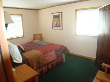 Suite#1 - 2 bdrms, sitting area, shared bath 2 queen beds & queen futo