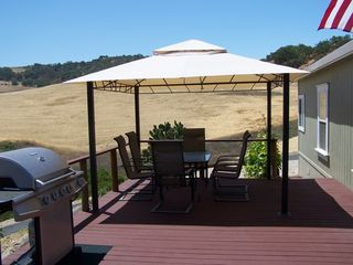Lake Nacimiento house photo - Guest house deck