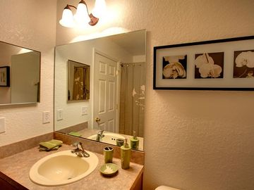Fresh family bathroom.