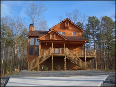 2BR/3BA Cabin in Talking Rock, Georgia - Evolve Vacation Rental Network