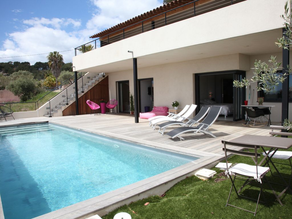 Very nice architect house with sea view swimming 1450530 for Camping bandol avec piscine